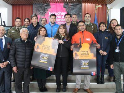 Directora y vecinos de Buin dialogan sobre campaña Escuchar es parte de la solución