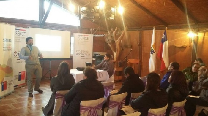 SENDA Previene Los Lagos expuso oferta programática en el 2do Encuentro Comunal de Empresarios de OMIL