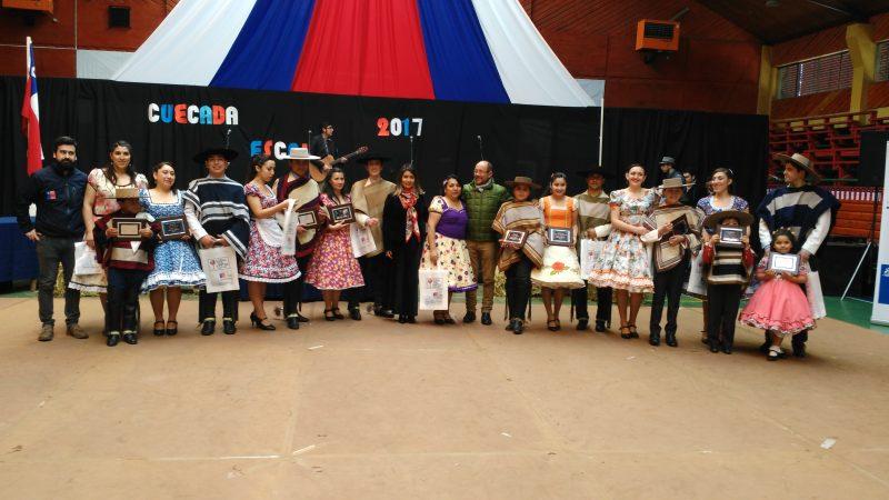 FAMILIAS DE VILARRICA SALUDAN A SU MAJESTAD, LA CUECA