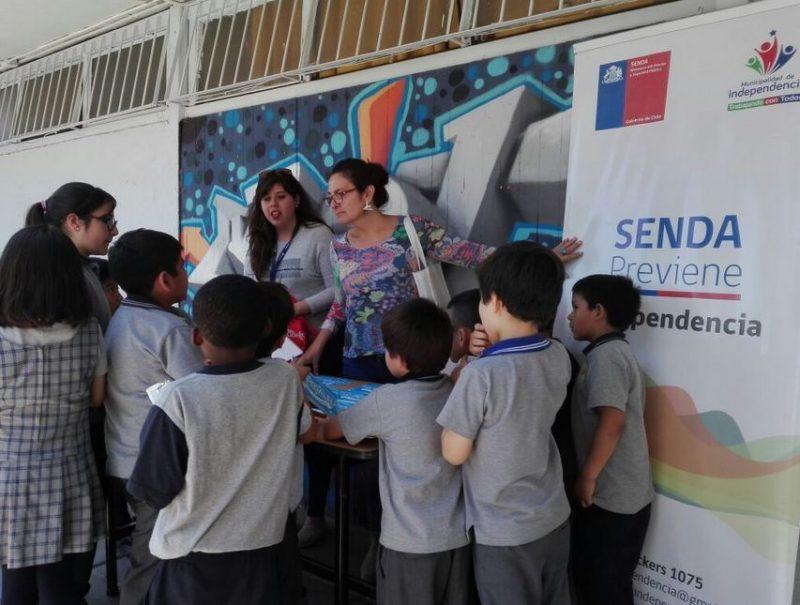 Estudiantes de Independencia aprenden sobre estilos de vida saludable en recreo preventivo
