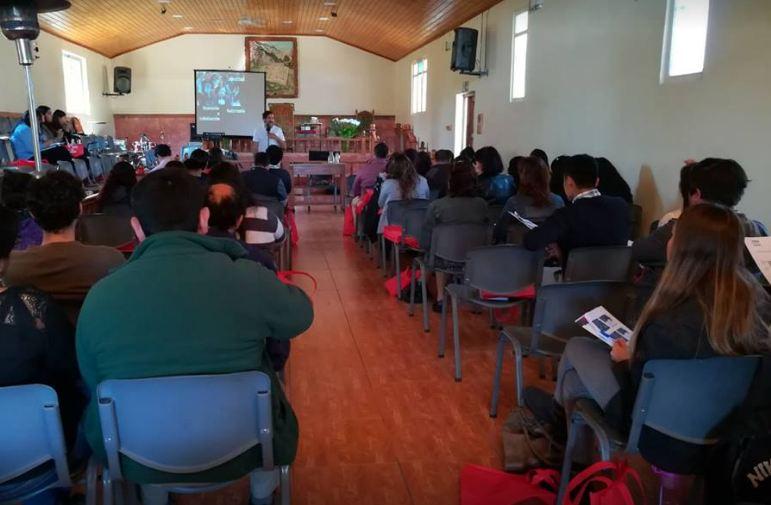 Organizaciones sociales asisten a Seminario de Habilidades Preventivas en Isla de Maipo