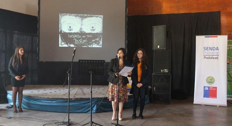 SENDA Previene premia a establecimientos educacionales que participaron en concurso preventivo