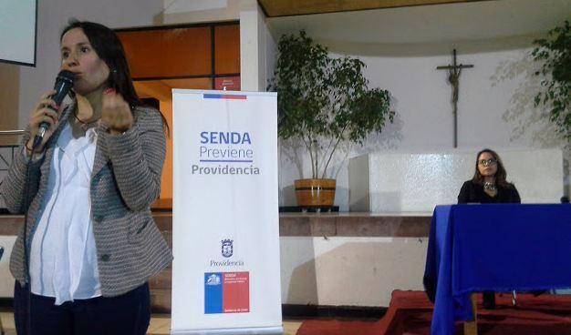 SENDA Previene Providencia dialoga con apoderados del  Instituto Luis Campino