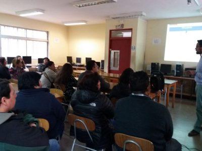 Padres y apoderados del Liceo Brígida Walker dialogan con SENDA