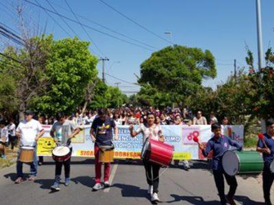 Vecinos y vecinas participan masivamente del Carnaval de la Prevención
