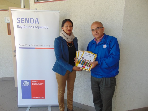 Alumnos de la UCN reciben material preventivo