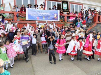 SENDA Previene Panguipulli realizó colorido Pasacalles Preventivo para celebrar Fiestas Patrias