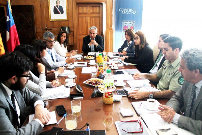 Autoridades constituyen Mesa para prevenir y disminuir el consumo problemático de Alcohol en la región.