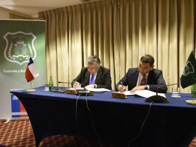 SENDA firma convenio con Gendarmería para desarrollar y fortalecer acciones preventivas