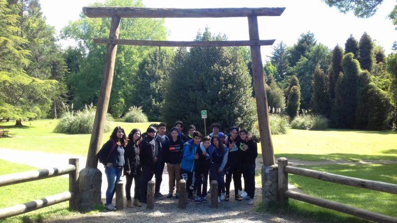 Estudiantes del Centro Educativo Fernando Santivan de Panguipulli conocieron dependencias de la Universidad Austral de Chile