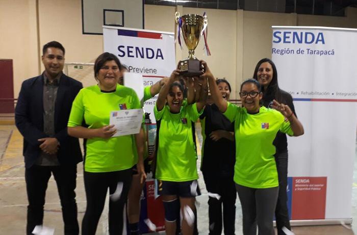 """Casacas de Pozo Almonte ganó torneo de fútbol femenino """"De Taquitos No a las Drogas II"""" en Huara"""