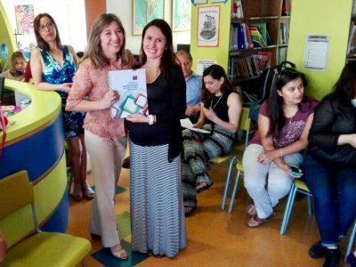 Previene Providencia hace entrega de manual a establecimientos educacionales
