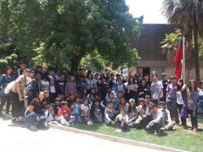 Estudiantes beneficiarios de programas de SENDA visitan el Parque Metropolitano