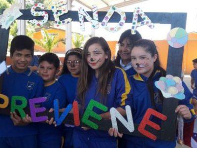 Estudiantes de la Escuela G131 de Llancay reciben al SENDA Previene San Pedro