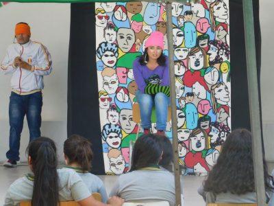 Estudiantes de Renca disfrutan de obra de teatro preventiva