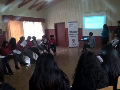 Estudiantes de La Unión participaron en charla sobre Ley de Responsabilidad Penal Adolescente y conocieron dependencias de Gendarmería en la comuna.