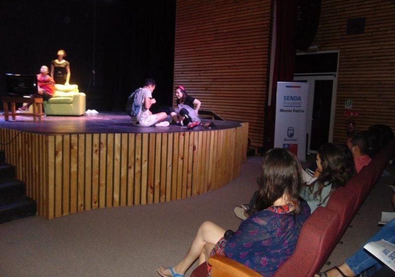 Obra de teatro recorre la región entregando un mensaje preventivo