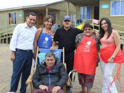 SENDA y municipalidad realiza campaña de prevención del consumo de sustancias con veraneantes de la costa curicana
