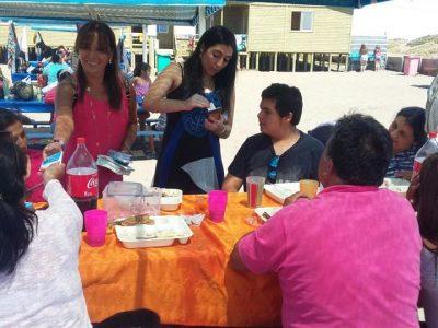 """SENDA entregó información preventiva a usuarios del """"Verano Entretenido"""" en Iloca"""