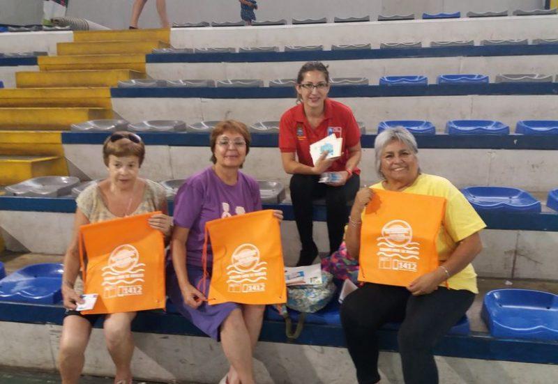 SENDA Previene Ñuñoa dialoga con adultos mayores sobre campaña Verano Libre de Drogas