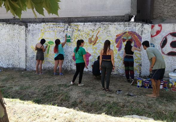 Previene construye mural preventivo junto a la comunidad de Huechuraba