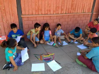 Familias de Tiltil reciben consejos preventivos para un verano sin drogas