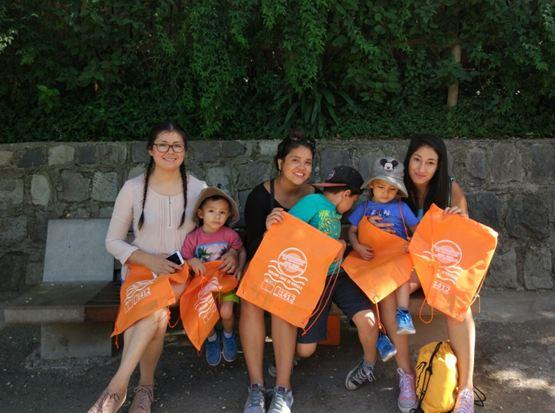 Asistentes al Zoológico Metropolitano se informan sobre la campaña de verano