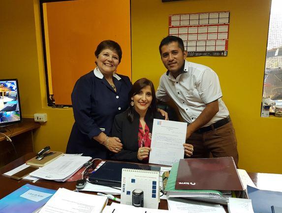 Establecimientos educacionales de La Cisterna firman carta de compromiso con SENDA