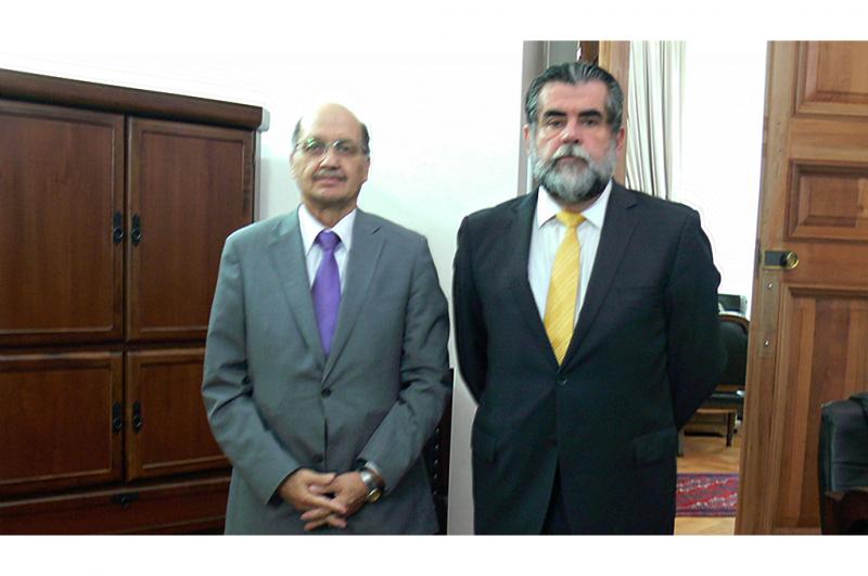 Director Nacional de SENDA realiza visita protocolar a Subsecretario del Interior