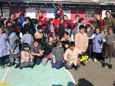 Con talleres de circo en escuela del Cerro Placeres SENDA Valparaíso conmemoró el Día Internacional de la Prevención