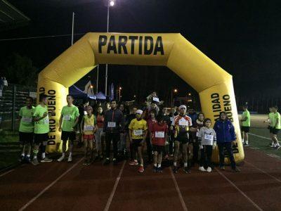 SENDA Previene Río Bueno realizó la 3° Corrida Familiar Nocturna «Corriendo por la Prevención»