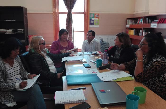 Capacitan a profesores de escuelas rurales de la comuna de Huara en programas de prevención de drogas