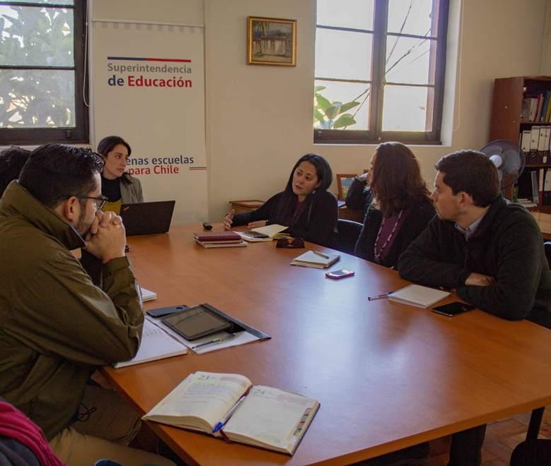 Coordinan trabajo preventivo en establecimientos educacionales
