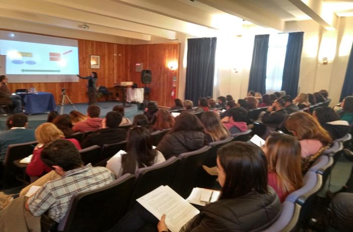 SENDA Tarapacá realiza seminario de fármacos para prevenir consumo en adolescentes