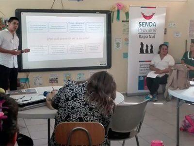 Profesores de Rapanui son capacitados para la implementación del material Continuo Preventivo de SENDA y apoderados de la isla asisten a jornada de Parentalidad