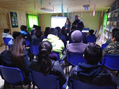 SENDA Previene Sagrada Familia y PDI realizan capacitaciones preventivas en escuelas de la comuna