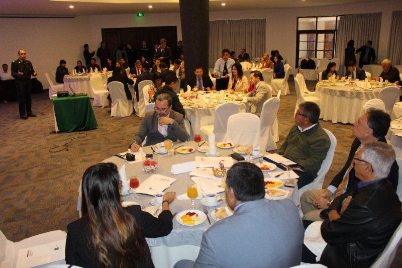"""Seminario Gendarmería """"Vinculación con el mundo público y privado e intermediación laboral"""""""