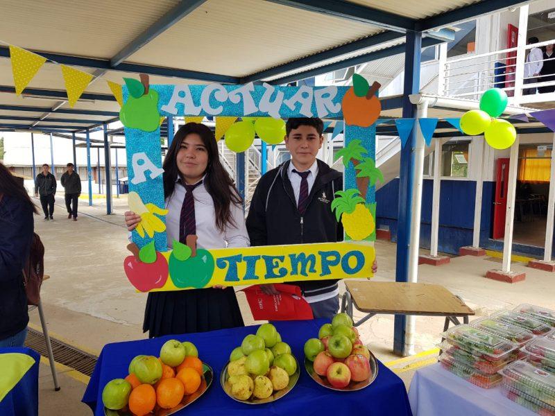 """Programa """"Actuar a Tiempo"""" realizó 2° feria saludable en liceo Pedro Aguirre Cerda de Cauquenes"""