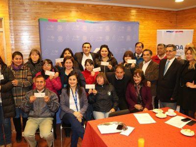 Municipio curicano entregó cheques para proyectos en prevención de drogas y alcohol