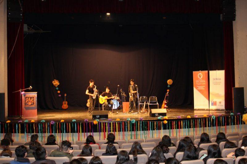 Estudiantes del Programa Actuar A Tiempo de SENDA Previene Valdivia realizaron muestra de talentos