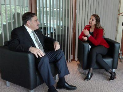 Directora Regional del SENDA Araucanía se reúne con Gobernador de Malleco.