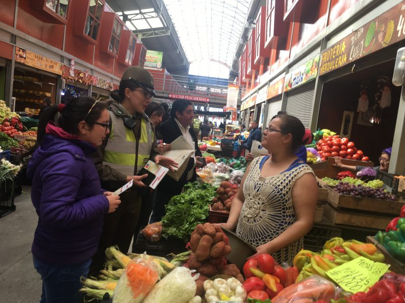 Promueven Más seguridad y Más Prevención en Mercado Municipal de Puerto Montt