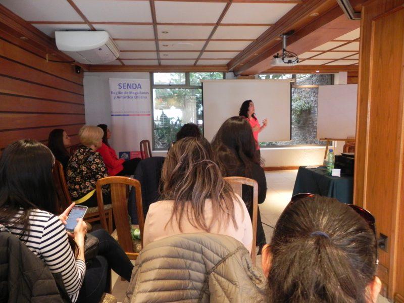 Las buenas prácticas laborales se destacaron en encuentro de servicios y empresas que se reunieron en seminario de SENDA