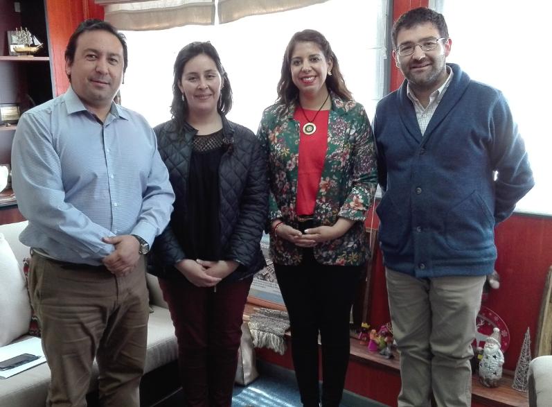 Directora del SENDA Araucanía asesora técnicamente a programa Previene de Freire