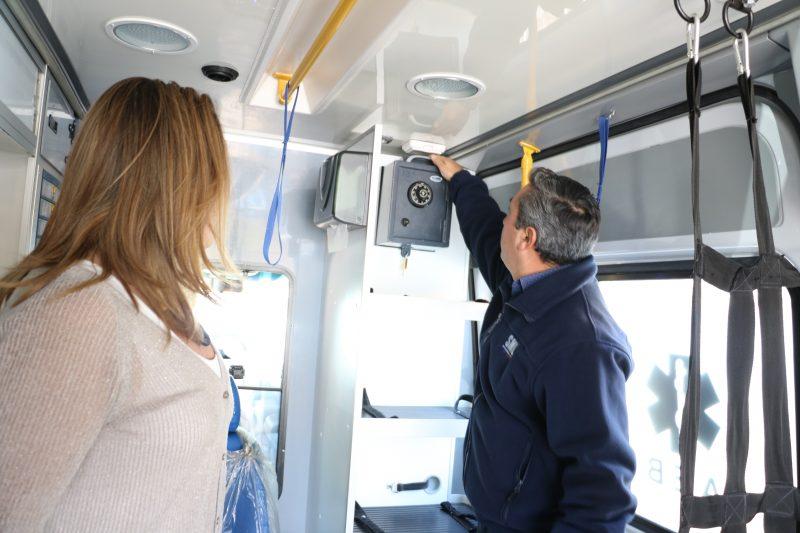 Autoridades supervisan ambulancia que estará presente en los controles preventivos con el narcotest en Atacama