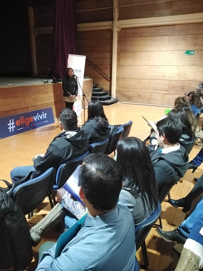 Representantes de establecimientos educacionales de la región son capacitados en material Continuo Preventivo