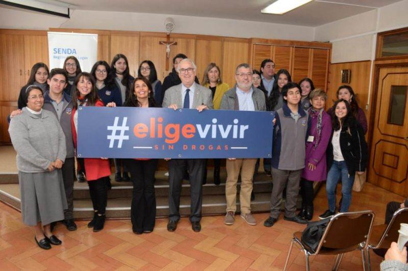 """Autoridades de la región  hacen entrega de """"Carta Presidencial a las familias chilenas"""" a padres y apoderados"""