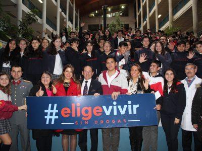 Autoridades hacen entrega de carta presidencial a familias de La Araucanía