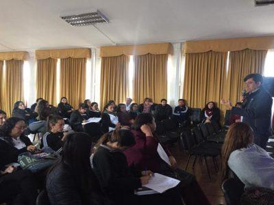 Profesores del Liceo Pablo Neruda de Alto Hospicio abordan la no estigmatización del consumo de drogas