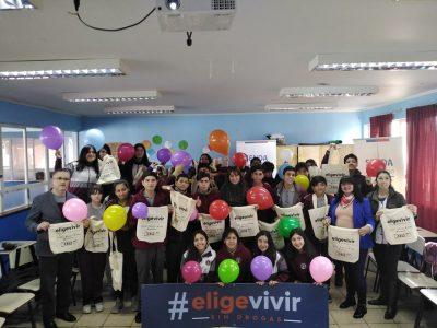 En Colegio San Miguel de Calbuco promueven  aplicación de material de prevención de SENDA